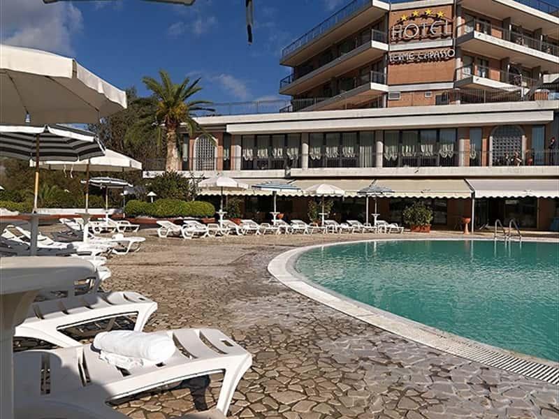Hotel A Contursi Terme Con Piscina