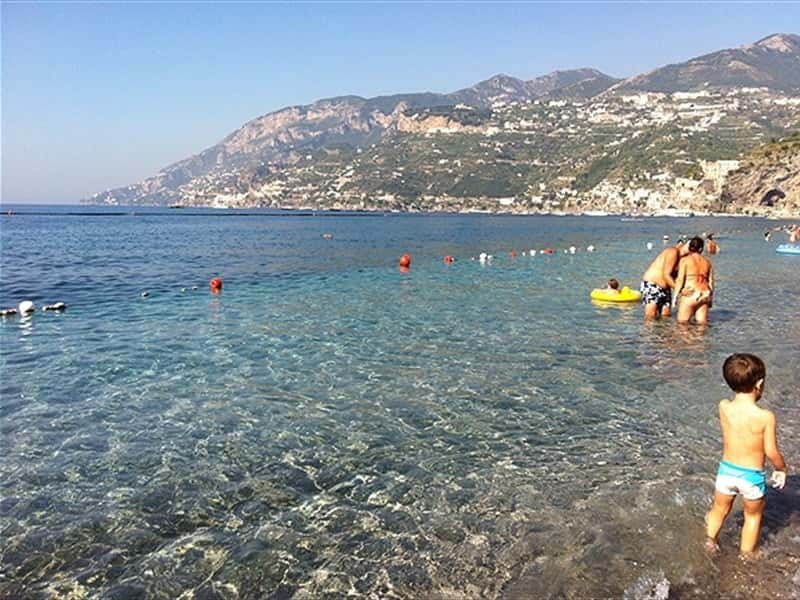 La Spiaggia in Agosto - The Beach in August