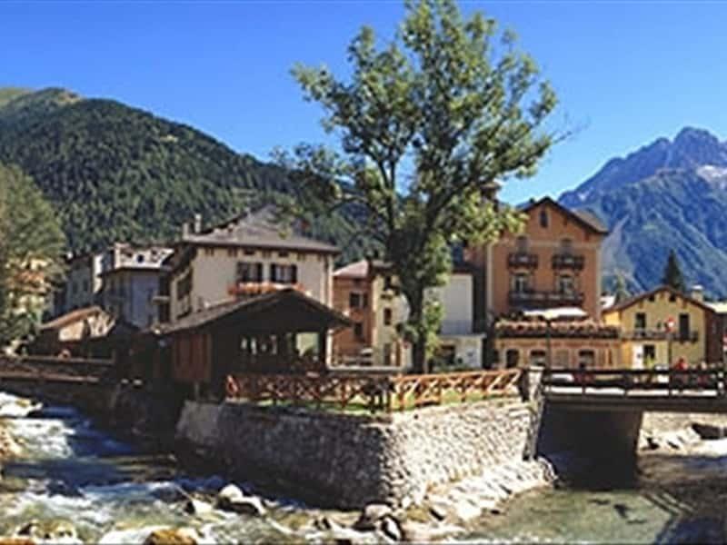 Hotel A Ponte Di Legno Con Piscina